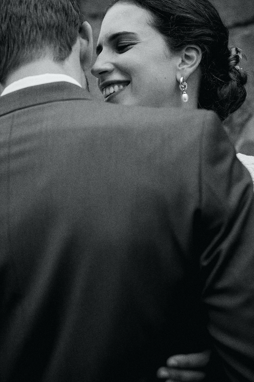Liebevolles Brautpaarshooting
